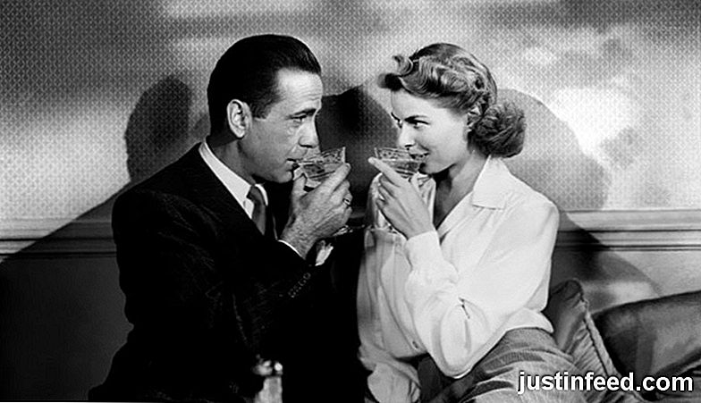 Casablanca (1942) - Romantic Classic Date Night Movies