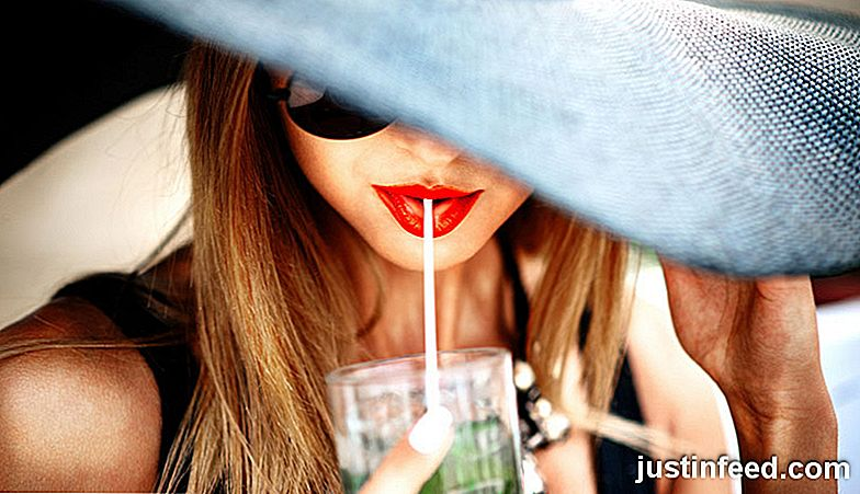 Girly Drinks Galore: 24 bebidas Staples Every Girl's Know