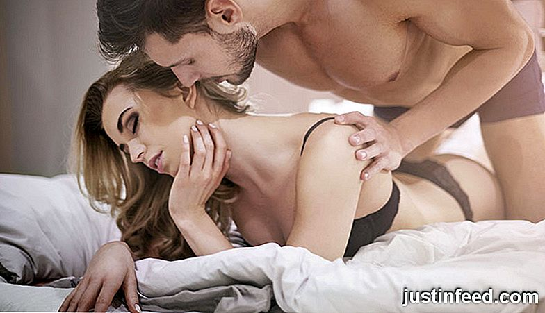 Hot Sex From Behind: 16 Mind-Blowing Sätt att göra det rätt